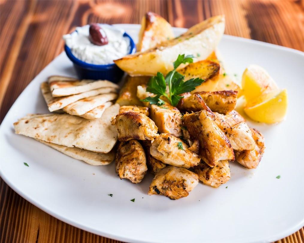 b-greek-chicken-souvlaki-platter